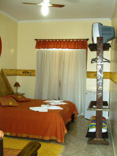 Suíte Luxo 1º andar com sacada – 11 – INDIANA